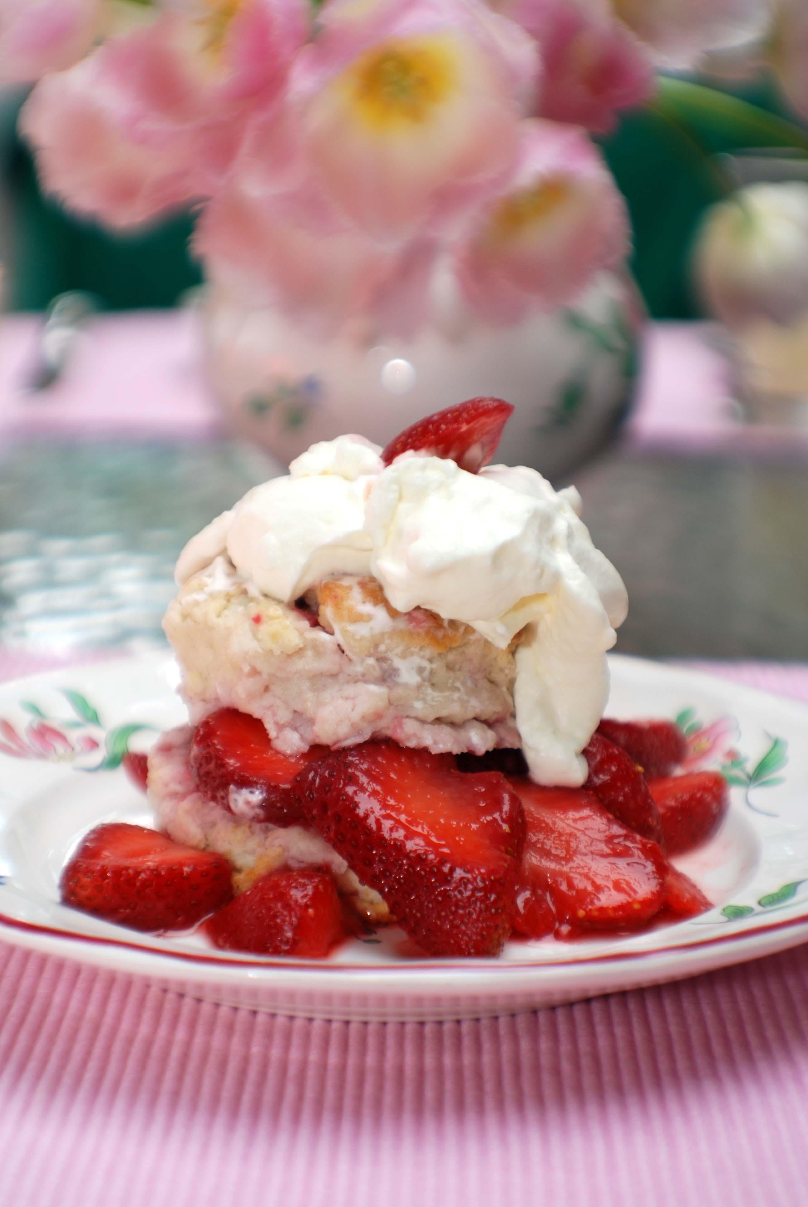 http://www.beyondwonderful.com/images/recipes/desserts_strawberry_shortcake_300x400.jpg