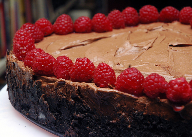 Decadent Chocolate Mousse Pie with Raspberries